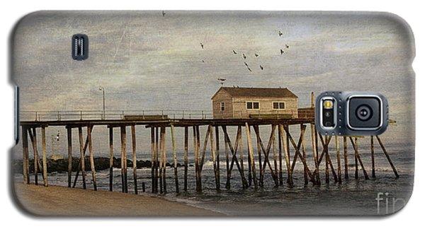 Galaxy S5 Case featuring the photograph The Belmar Fishing Club Pier by Debra Fedchin