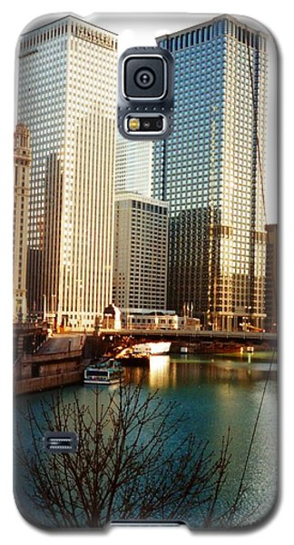 The Chicago River From The Michigan Avenue Bridge Galaxy S5 Case by Mariana Costa Weldon