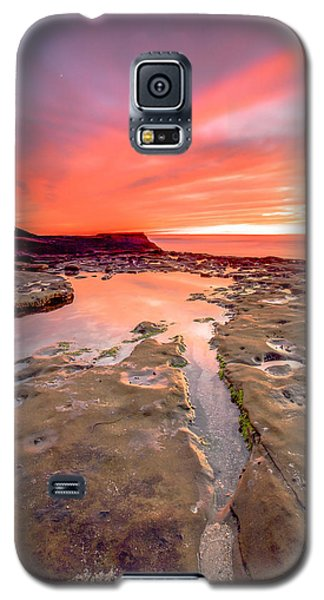 Galaxy S5 Case featuring the photograph The Crack In The Rock by Robert  Aycock