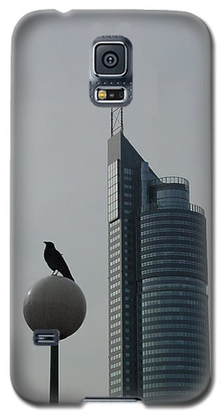 The Crow And The Milleniumtower In Winter Galaxy S5 Case
