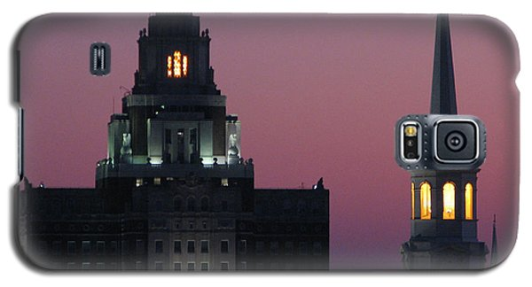 Galaxy S5 Case featuring the photograph The Customs Building And Christ Church by Christopher Woods