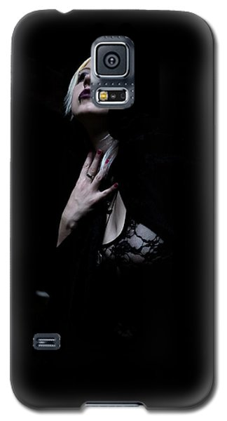 Galaxy S5 Case featuring the photograph The Dark Witch by Mez