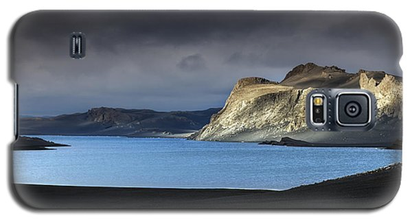 The Desert Galaxy S5 Case by Gunnar Orn Arnason