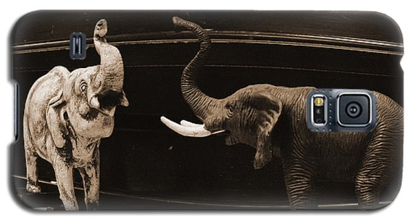 The Elephant Walk Galaxy S5 Case