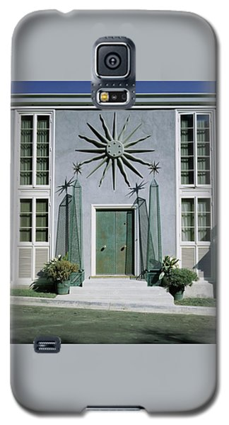 Beverly Hills Galaxy S5 Case - The Facade Of Tony Duquette's House by Shirley C. Burden