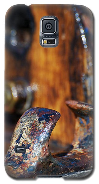 Galaxy S5 Case featuring the photograph The Fairlead by Wendy Wilton