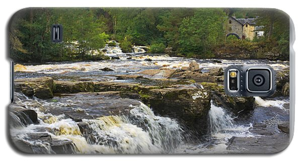 Galaxy S5 Case featuring the photograph The Falls Of Dochart Scotland by Jane McIlroy