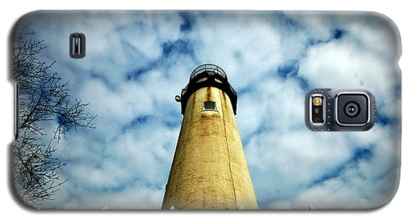 The Fenwick Light And A Mackerel Sky Galaxy S5 Case