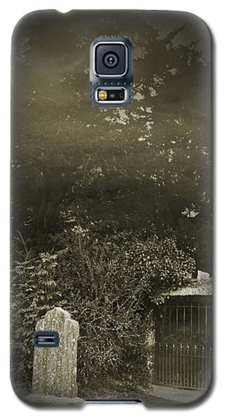 Galaxy S5 Case featuring the photograph The Fortingall Yew by Jane McIlroy