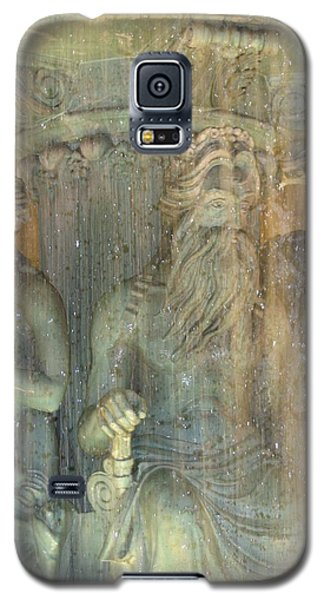 Galaxy S5 Case featuring the photograph The Fountain by Karin Thue
