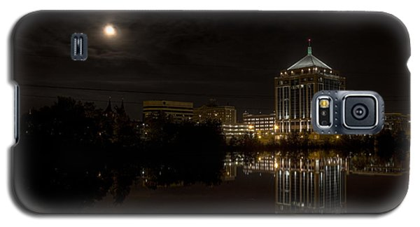 The Full Moon Over The Dudley Tower Galaxy S5 Case