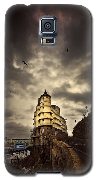 Galaxy S5 Case featuring the photograph The Grand by Meirion Matthias