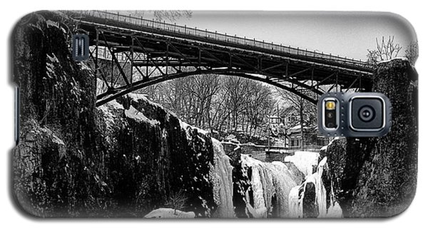 The Great Falls Of Paterson In Black And White Galaxy S5 Case