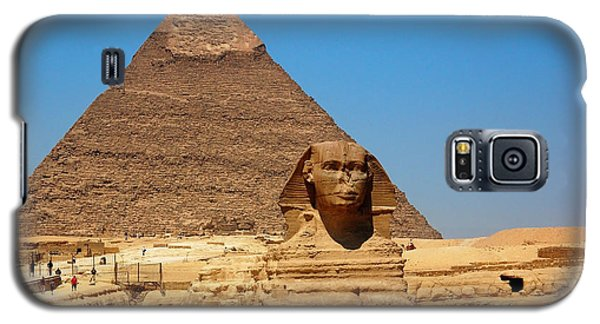 Galaxy S5 Case featuring the photograph The Great Sphinx Of Giza And Pyramid Of Khafre by Joe  Ng