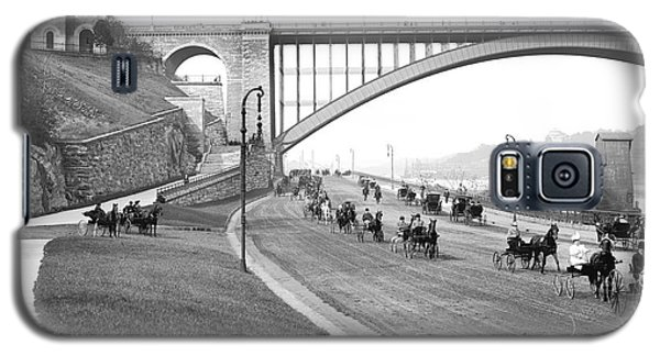 The Harlem River Speedway Galaxy S5 Case by Detroit Publishing Company