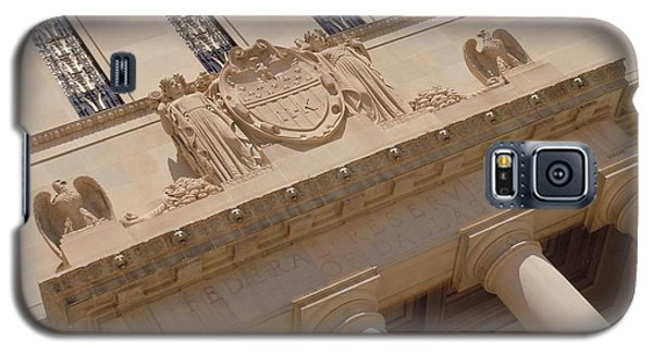 Galaxy S5 Case featuring the photograph The Historical Federal Reserve Bank Of Dallas by Robert ONeil