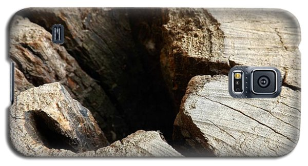 Galaxy S5 Case featuring the photograph The Hole by Clare Bevan