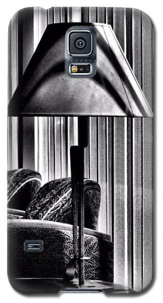 Galaxy S5 Case featuring the photograph The Lamp In The Lobby by Bob Wall