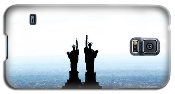 Galaxy S5 Case featuring the photograph The Liberty Building by Jim Lepard