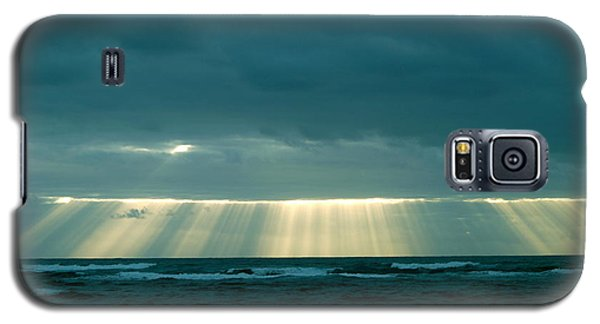 Galaxy S5 Case featuring the photograph The Light Above Kapoho by Lehua Pekelo-Stearns