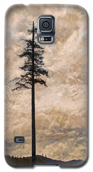 The Lone Survivor Stands In Tranquility Galaxy S5 Case by Peggy Collins