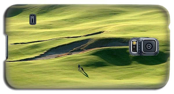 The Long Green Walk - Chambers Bay Golf Course Galaxy S5 Case by Chris Anderson