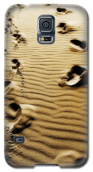 Galaxy S5 Case featuring the photograph The Long Road To Love by Selke Boris