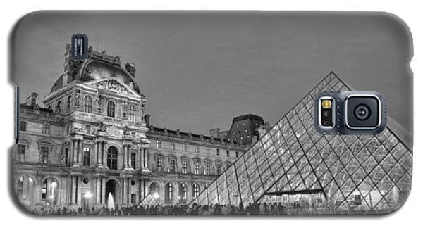 The Louvre Black And White Galaxy S5 Case by Allen Beatty