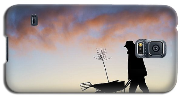 Garden Galaxy S5 Case - The Man Who Plants Trees by Tim Gainey
