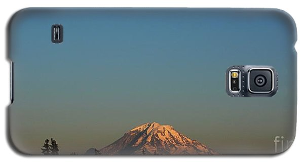 The Moon And Mt. Rainier Galaxy S5 Case