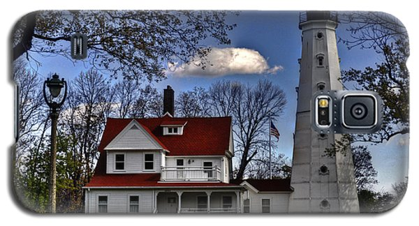 Galaxy S5 Case featuring the photograph The Northpoint Lighthouse by Deborah Klubertanz