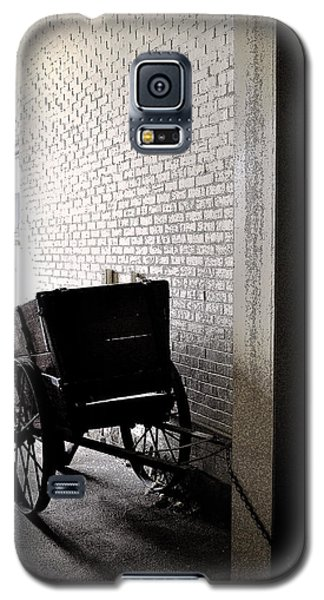 Galaxy S5 Case featuring the photograph The Old Cart From The Series View Of An Old Railroad by Verana Stark