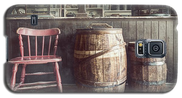 The Old General Store - Red Chair And Barrels In This 19th Century Store Galaxy S5 Case