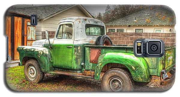 Galaxy S5 Case featuring the photograph The Old Green Truck by Jim Thompson