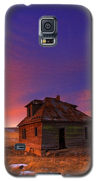 Galaxy S5 Case featuring the photograph The Old House by Kadek Susanto