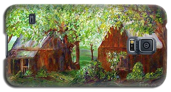 Galaxy S5 Case featuring the painting The Old Swing Between The House And The Barn by Eloise Schneider