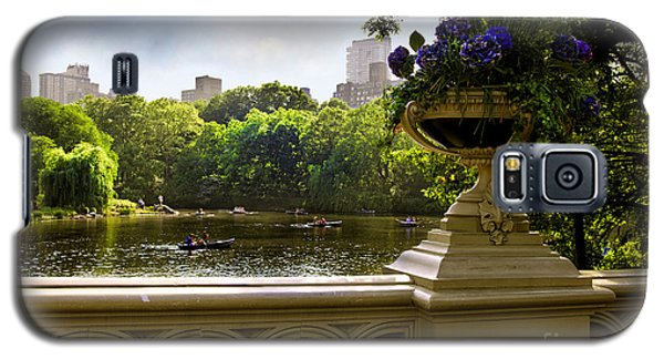 The Park On A Sunday Afternoon Galaxy S5 Case by Madeline Ellis