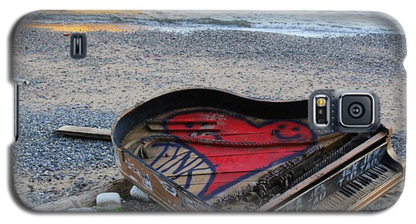 The Piano In New York Harbor Galaxy S5 Case