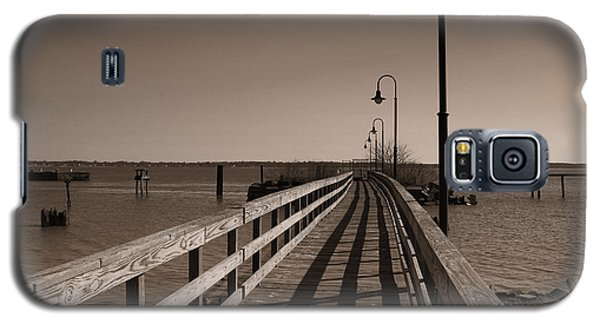 Galaxy S5 Case featuring the photograph The Pier by David Jackson