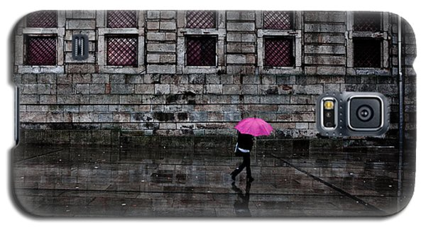 The Pink Umbrella Galaxy S5 Case by Jorge Maia