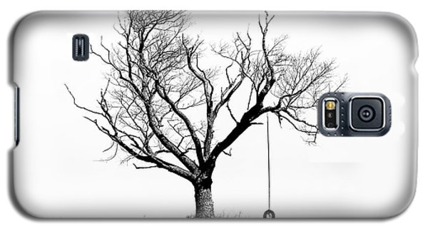 The Playmate - Old Tree And Tire Swing On An Open Field Galaxy S5 Case