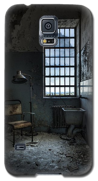 Galaxy S5 Case featuring the photograph The Private Room - Abandoned Asylum by Gary Heller