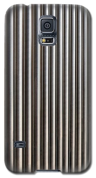 Galaxy S5 Case featuring the photograph The Rack by Wendy Wilton