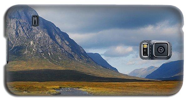 The River Runs Through It Galaxy S5 Case by Wendy Wilton