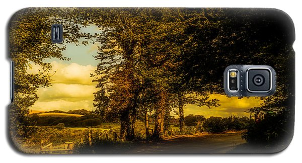 Galaxy S5 Case featuring the photograph The Road To Litlington by Chris Lord