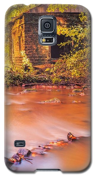 Galaxy S5 Case featuring the photograph The Ruins Of An Old Mill by Maciej Markiewicz