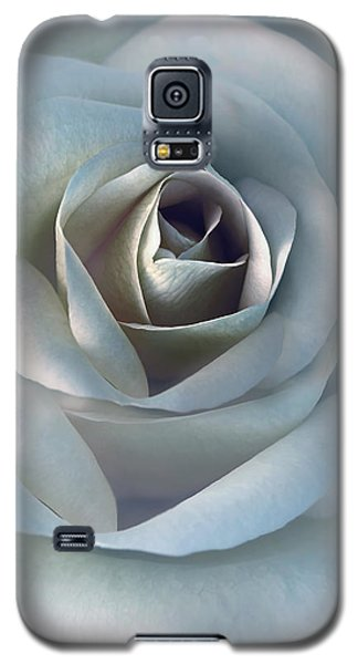 The Silver Luminous Rose Flower Galaxy S5 Case