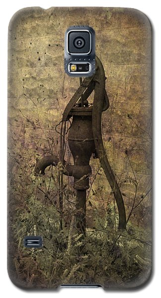 Galaxy S5 Case featuring the photograph The Source by Cynthia Lassiter