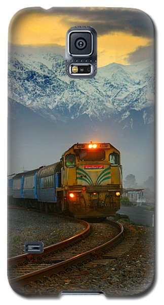 The Southerner Train New Zealand Galaxy S5 Case by Amanda Stadther