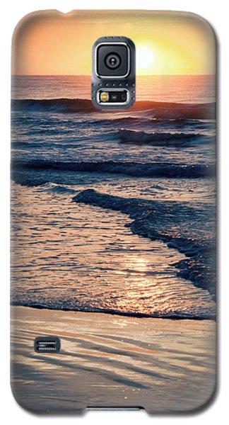 Sun Rising Over The Beach Galaxy S5 Case